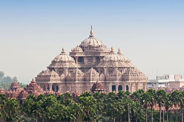 Yoga Retreat India – New Delhi is filled with popular tourist attractions that give you the opportunity to experience the blend of modern and traditional Indian life